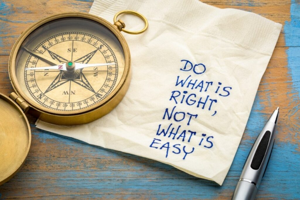 """Note that says """"Do What Is Right, Not What Is Easy"""""""